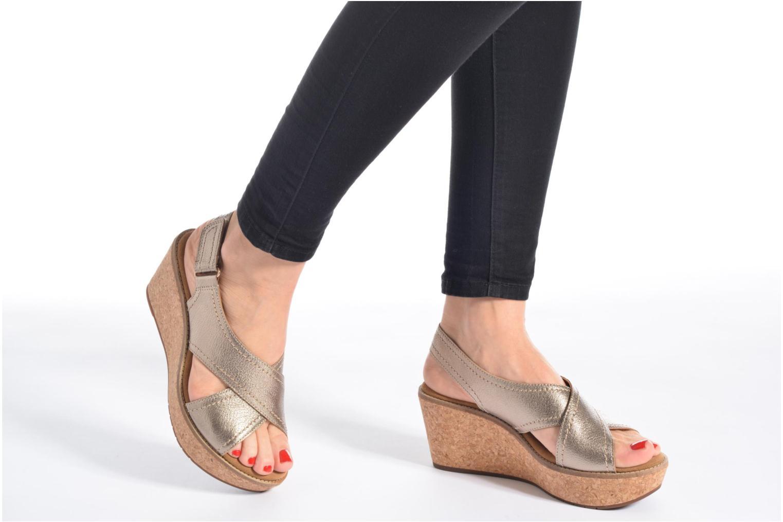 Sandales et nu-pieds Clarks Aisley Tulip Noir vue bas / vue portée sac