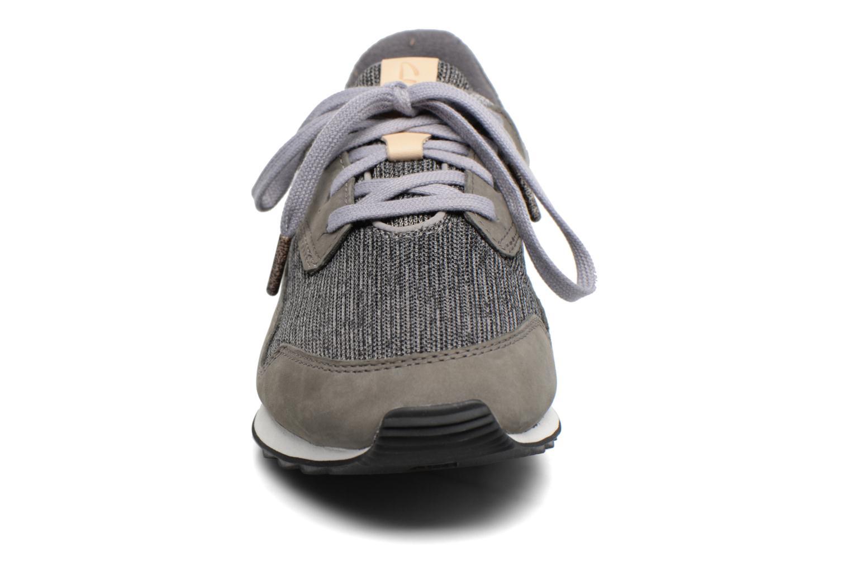Baskets Clarks Floura Mix Gris vue portées chaussures