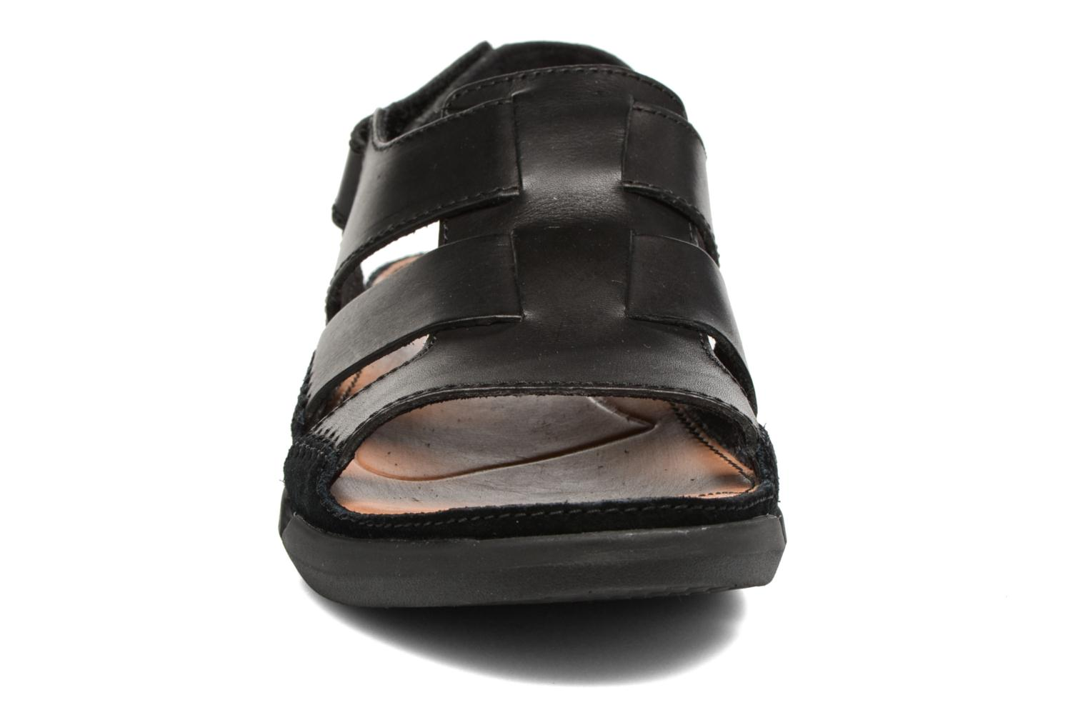 Sandals Clarks Trisand Bay Black model view