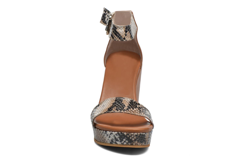 Sandales et nu-pieds Anaki Wave Marron vue portées chaussures