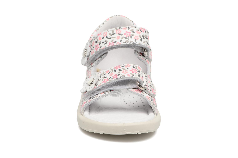 Sandales et nu-pieds Naturino Agata 1570 Rose vue portées chaussures