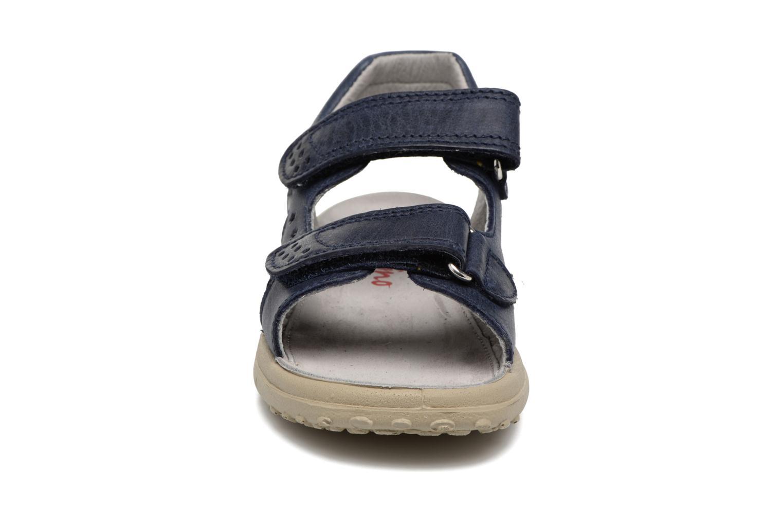 Sandali e scarpe aperte Naturino Angelo 5675 Azzurro modello indossato