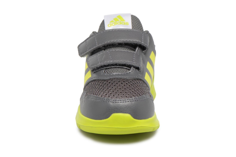 Sneakers Adidas Performance Altarun Cf I Grå se skoene på