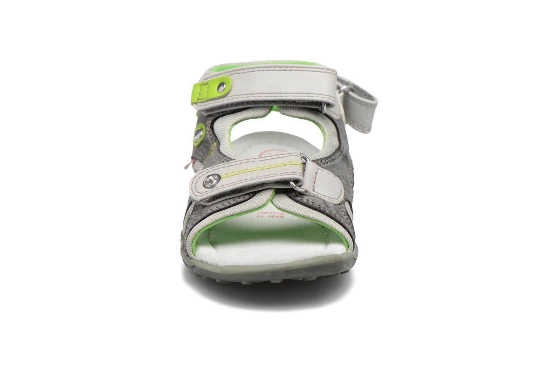 Sandales et nu-pieds NA! Air Gris vue portées chaussures