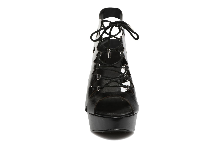Sandales et nu-pieds Guess Kelisa2 Noir vue portées chaussures