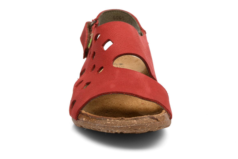 Sandales et nu-pieds El Naturalista Wakataua N5061 Rouge vue portées chaussures