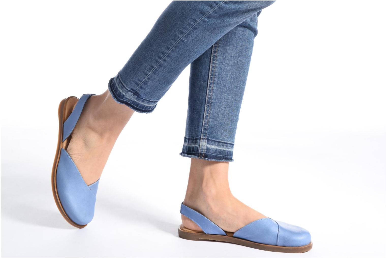 Sandales et nu-pieds El Naturalista Tulip NF38 Bleu vue bas / vue portée sac