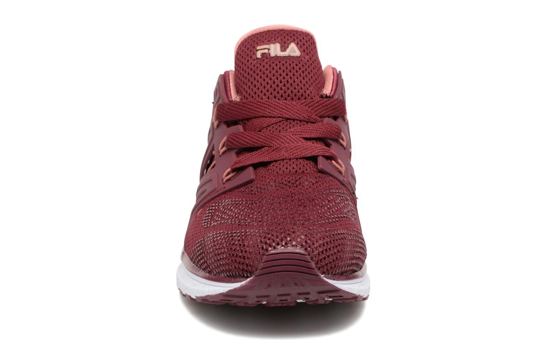 Baskets FILA Topic Low Wmn Rouge vue portées chaussures
