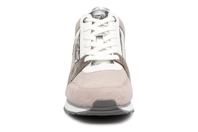 Baskets Michael Michael Kors Billie Trainer Gris vue portées chaussures