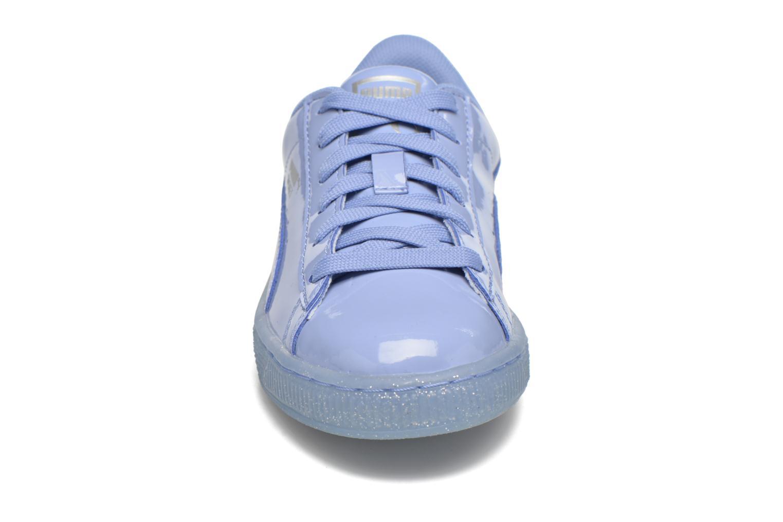 Baskets Puma Basket Patent Iced Glitter Jr Bleu vue portées chaussures
