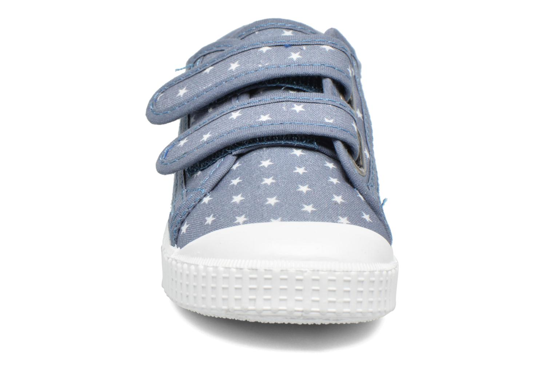 Baskets Victoria Basket Estrellas Velcros Bleu vue portées chaussures