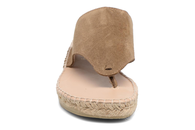 Sandales et nu-pieds La maison de l'espadrille Tong 701 Beige vue portées chaussures