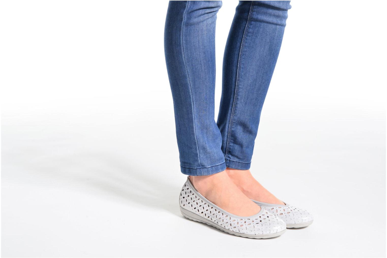 Ballet pumps Caprice Alena Silver view from underneath / model view