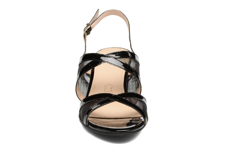 Sandales et nu-pieds Caprice Blanka Noir vue portées chaussures