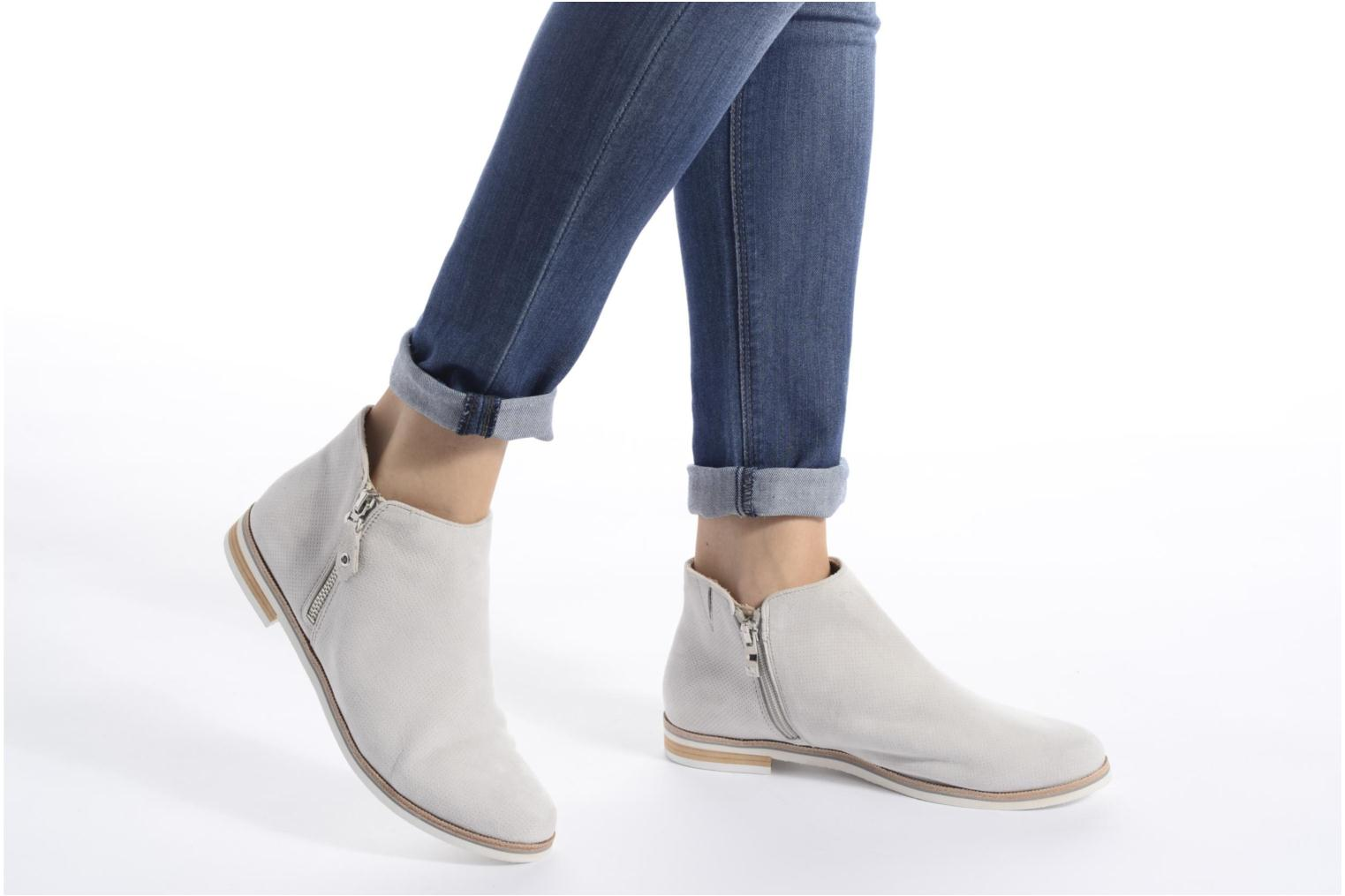 Julia Lt Grey Suede