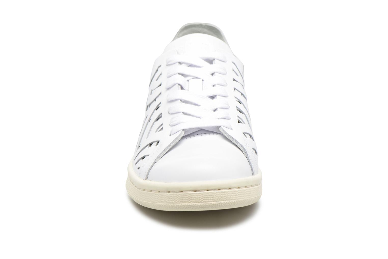 Baskets Adidas Originals Stan Smith Cutout W Blanc vue portées chaussures