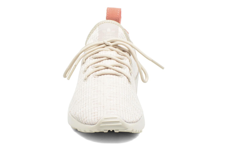 Sneakers Adidas Originals Zx Flux Adv Virtue Sock W Beige modello indossato
