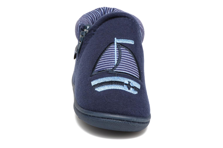 Chaussons Isotoner Bottilon Zip Jersey Suédine Bleu vue portées chaussures