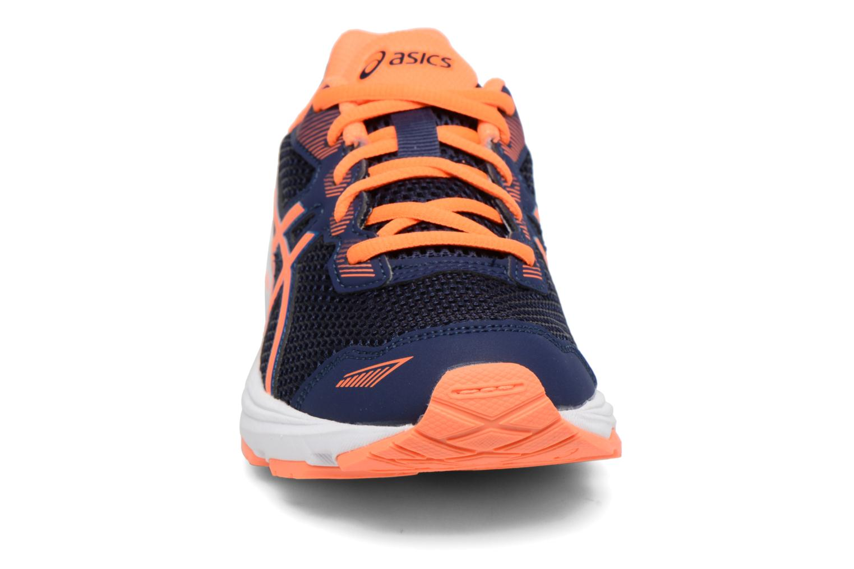 Baskets Asics GT-1000 5 GS Bleu vue portées chaussures