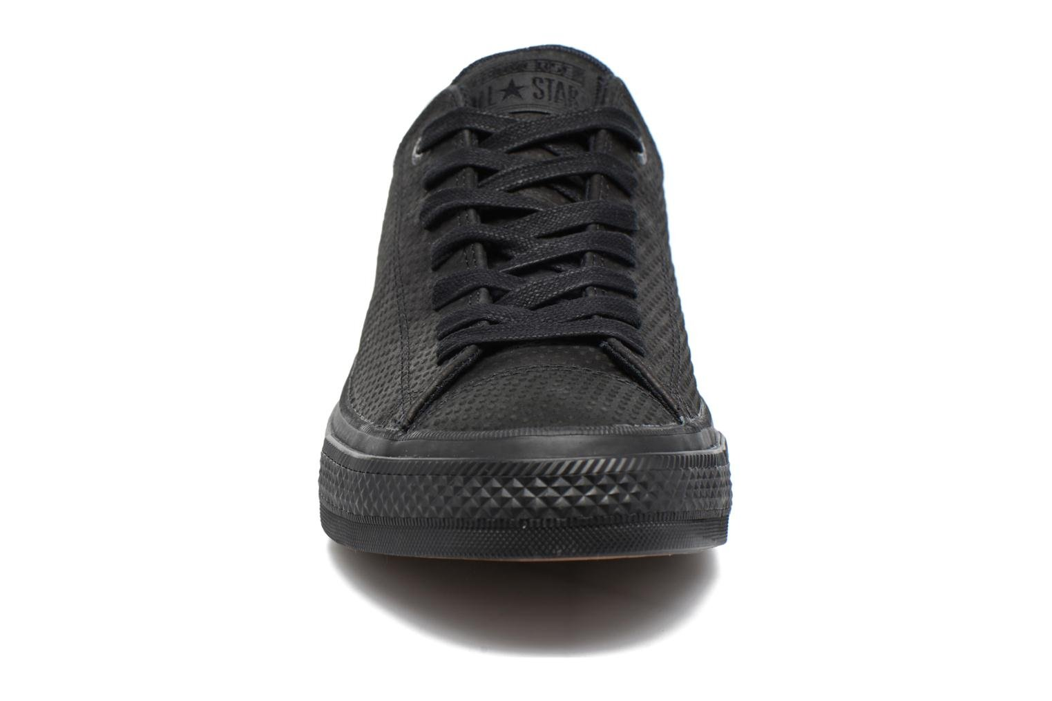 Baskets Converse Chuck Taylor All Star II Ox Lux Leather Noir vue portées chaussures