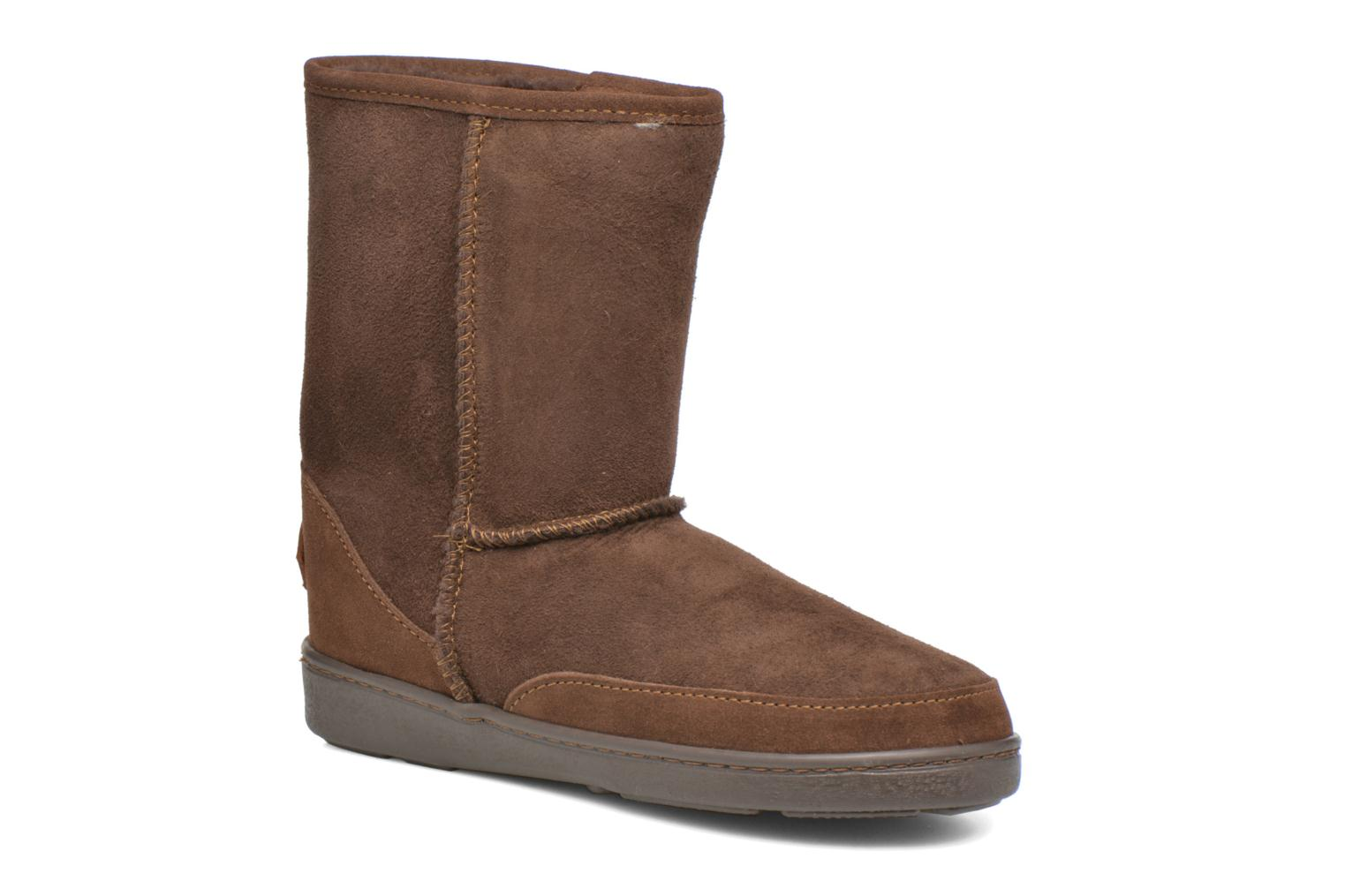 Botines  Minnetonka Short Sheepskin Pug Boot W Marrón vista de detalle / par