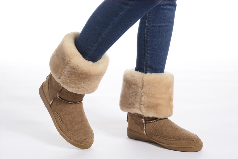 Bottines et boots Minnetonka Tall Sheepskin Pug Boot W Marron vue bas / vue portée sac