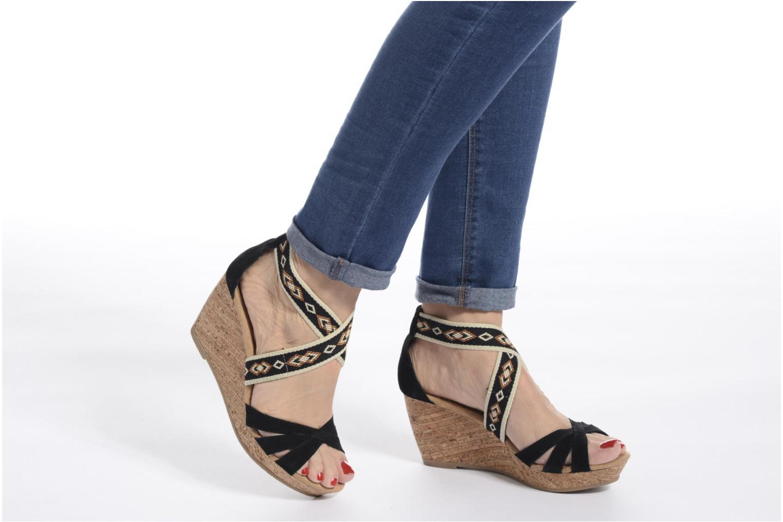 Sandali e scarpe aperte Minnetonka Drew Wedge Nero immagine dal basso