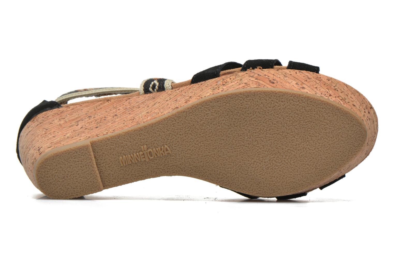 Sandali e scarpe aperte Minnetonka Drew Wedge Nero immagine dall'alto