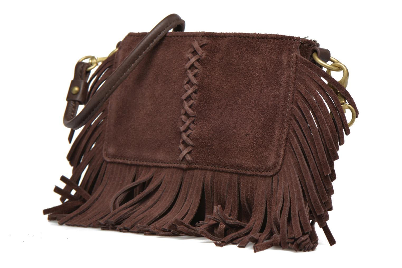 Sacs à main Minnetonka Mini Fringe Crossbody Bag Marron vue portées chaussures