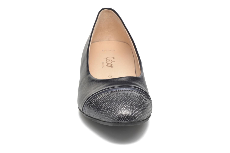 Escarpins Gabor Kreta 3 Bleu vue portées chaussures