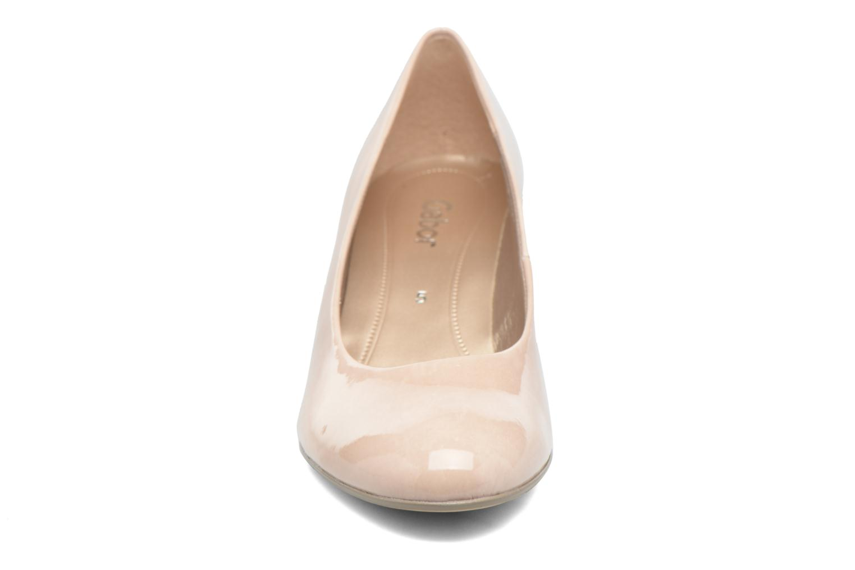 Zapatos de tacón Gabor Andria Beige vista del modelo