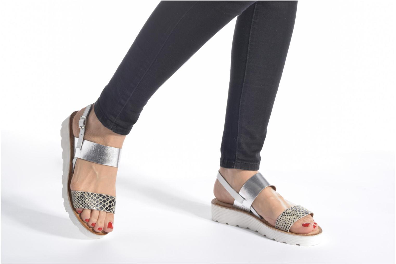 Sandales et nu-pieds Kaporal Higor Gris vue bas / vue portée sac