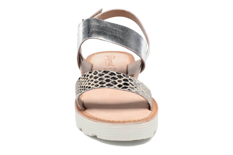 Sandales et nu-pieds Kaporal Higor Gris vue portées chaussures