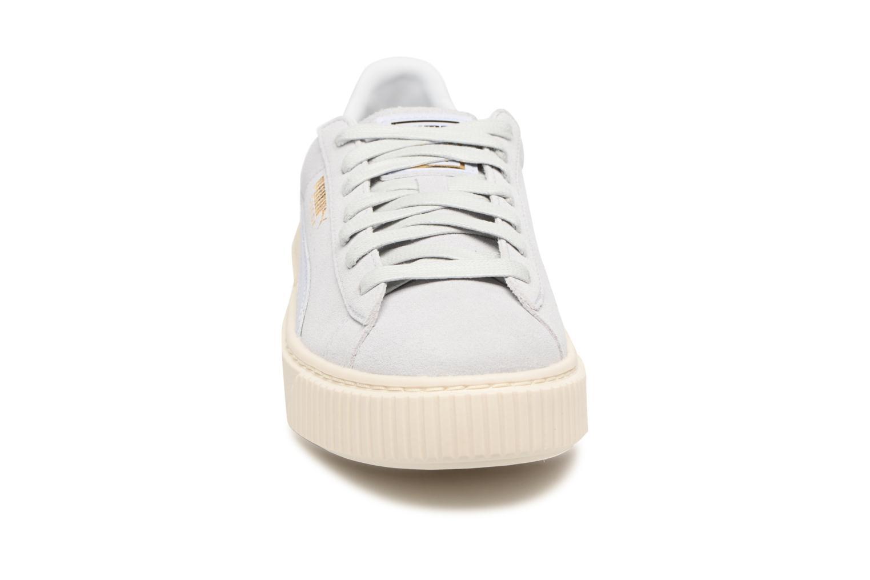 Baskets Puma Wns Suede Platform Core Bleu vue portées chaussures