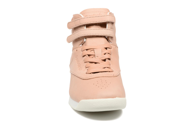 Baskets Reebok F/S Hi Face 35 Beige vue portées chaussures