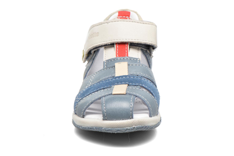 Sandales et nu-pieds Babybotte Typo3 Bleu vue portées chaussures
