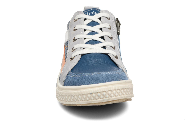 Baskets Babybotte Koyote Bleu vue portées chaussures