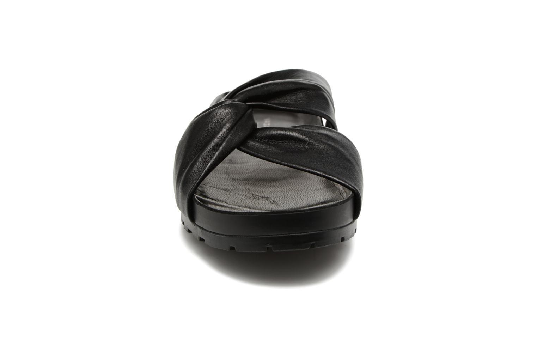 Zoccoli Vagabond Erie 4332-101 Nero modello indossato