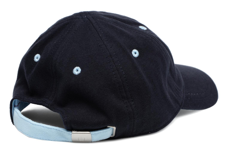 Divers Fred Perry Piqué Classic Cap PE Bleu vue portées chaussures