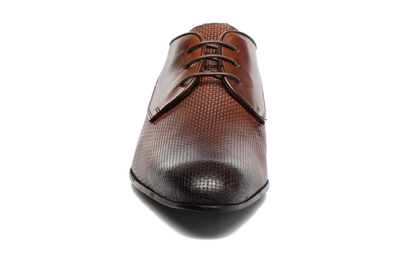Chaussures à lacets Marvin&Co Narbroath Marron vue portées chaussures