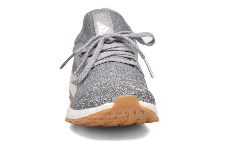 Chaussures de sport Adidas Performance PureBOOST X ATR Gris vue portées chaussures