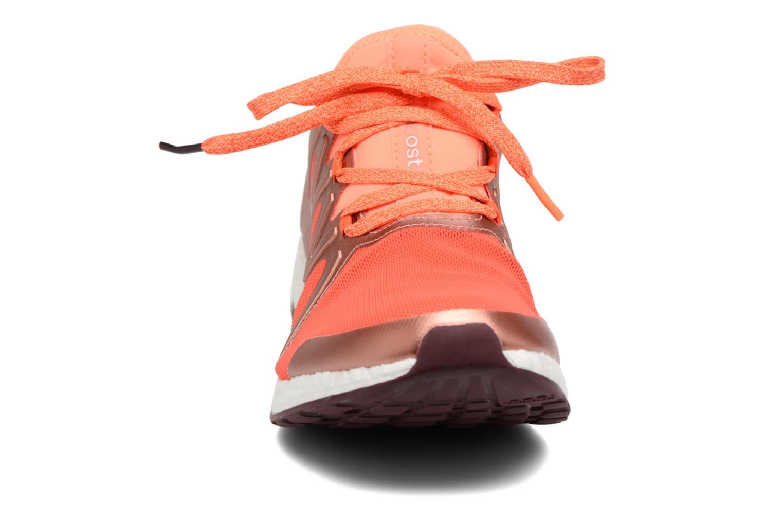 Chaussures de sport Adidas Performance PureBOOST Xpose Orange vue portées chaussures