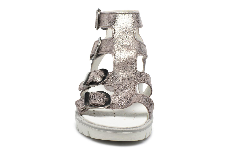 Sandali e scarpe aperte Primigi Violeta Argento modello indossato