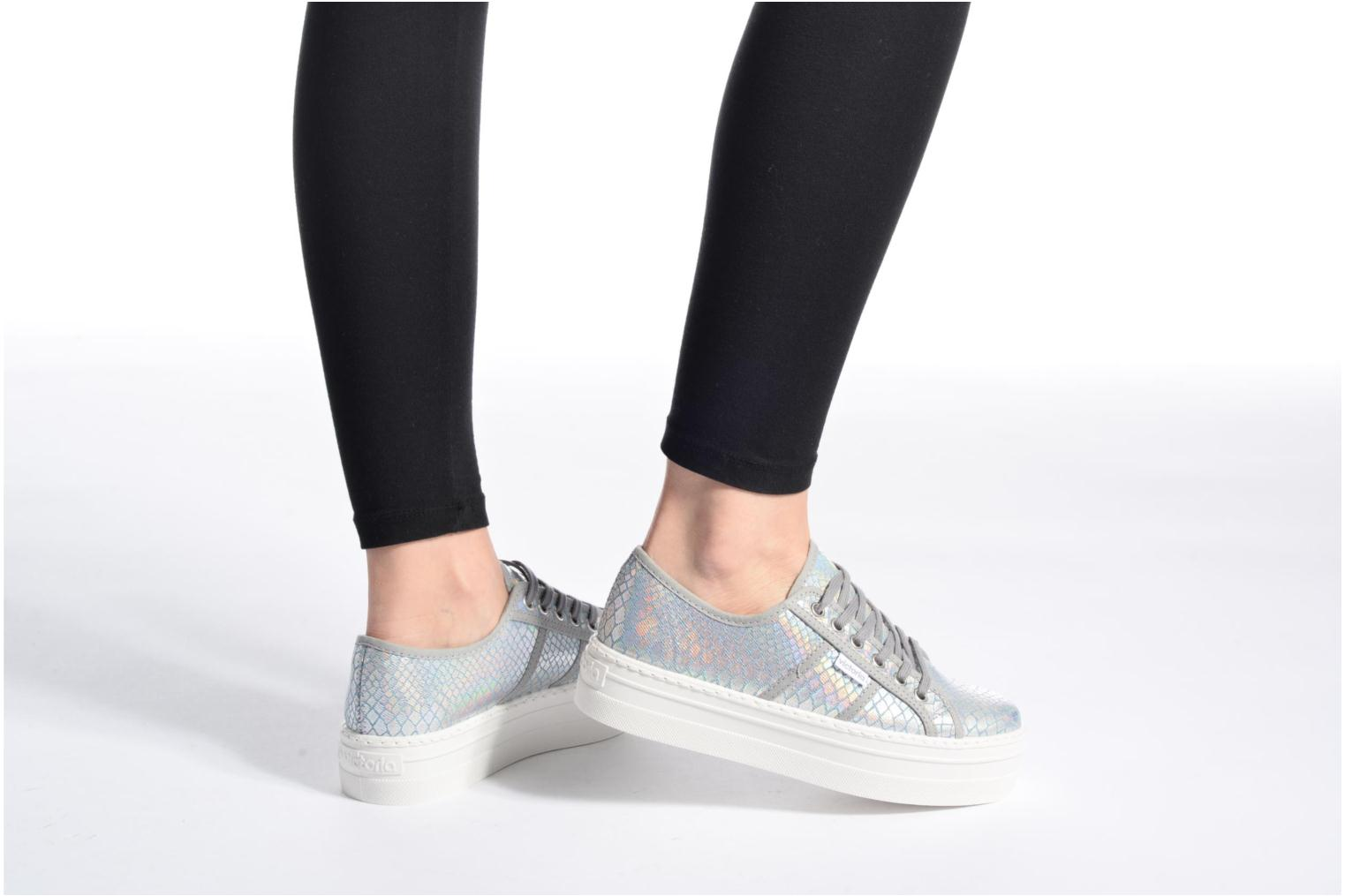 Trainers Victoria Basket Tejano Metalizado Silver view from underneath / model view