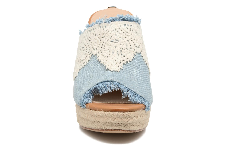 Mules et sabots Guess KALENA Bleu vue portées chaussures