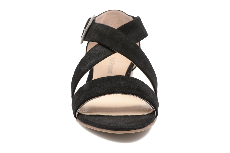 Sandales et nu-pieds Hush Puppies Kaly Noir vue portées chaussures
