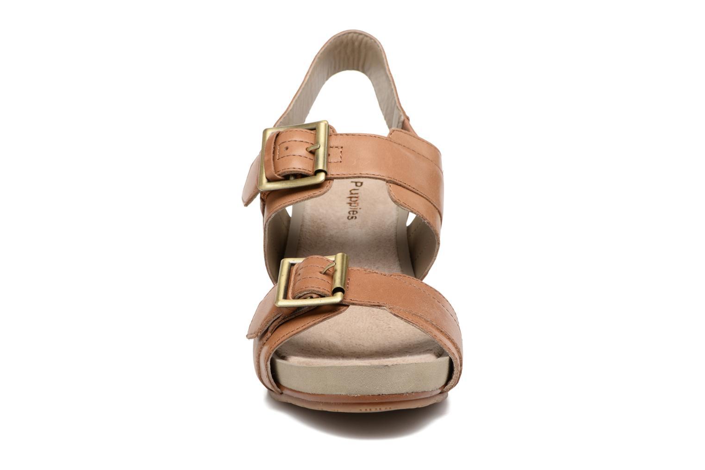 Sandales et nu-pieds Hush Puppies Leonie Marron vue portées chaussures