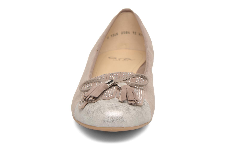 Ballerines Ara Bari 33727 Gris vue portées chaussures