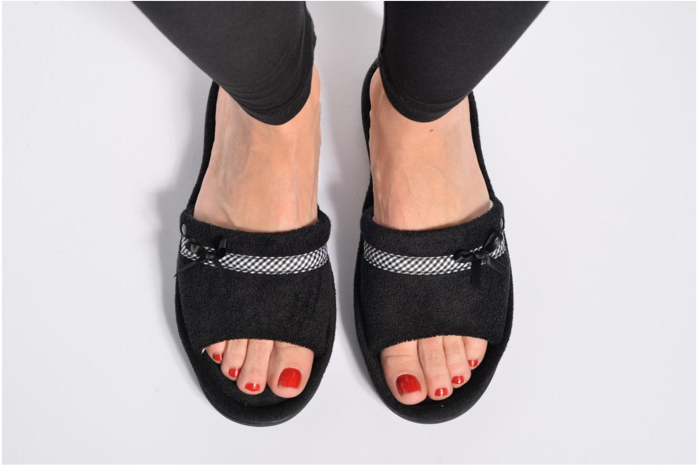 Chaussons Isotoner Sandale plate éponge bambou Gris vue bas / vue portée sac