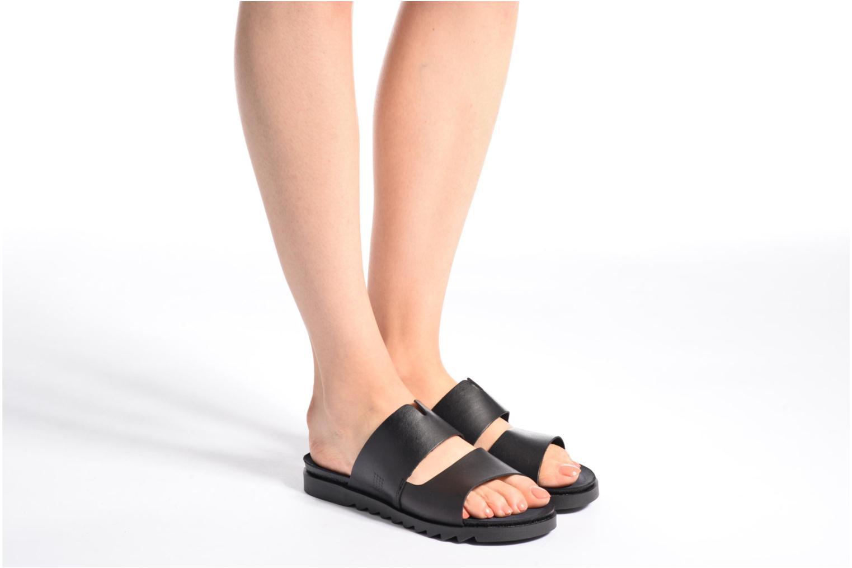 Sandales et nu-pieds TBS Typhenn Noir vue bas / vue portée sac